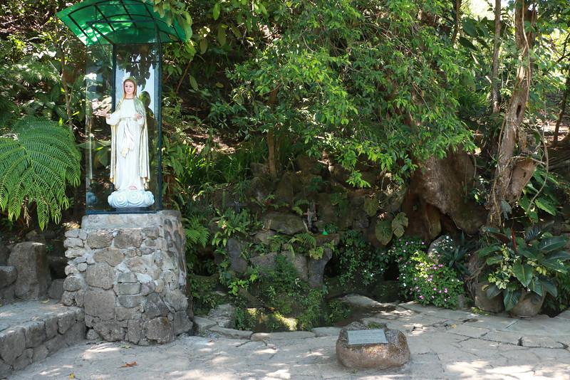 Tagaytay - Visita Iglesia